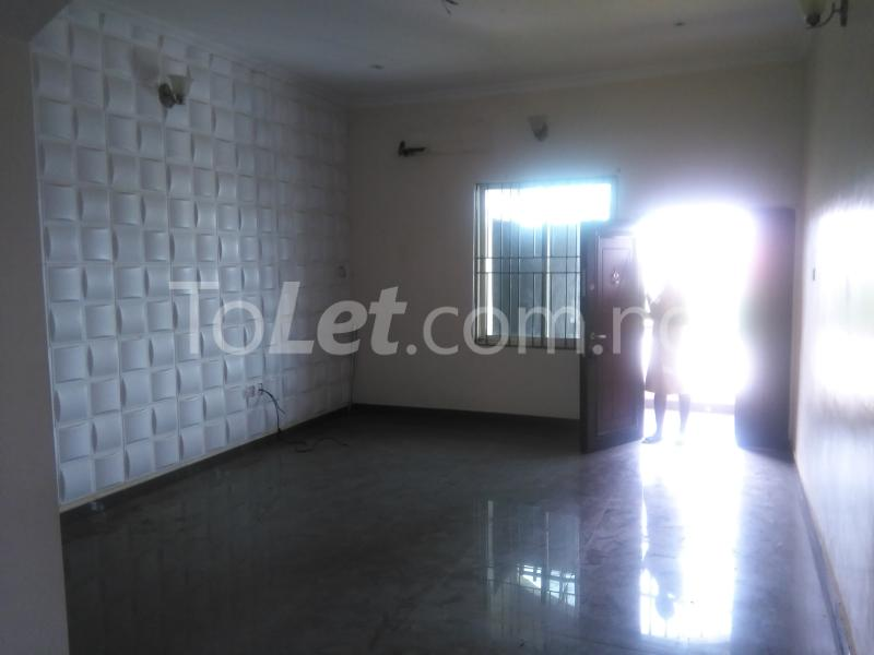 3 bedroom Flat / Apartment for rent Grace Nduko Street at Arowojobe Estate. Mende Maryland Lagos - 2