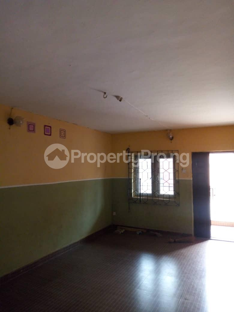 3 bedroom Blocks of Flats House for rent Daramola street  Agodi Ibadan Oyo - 4