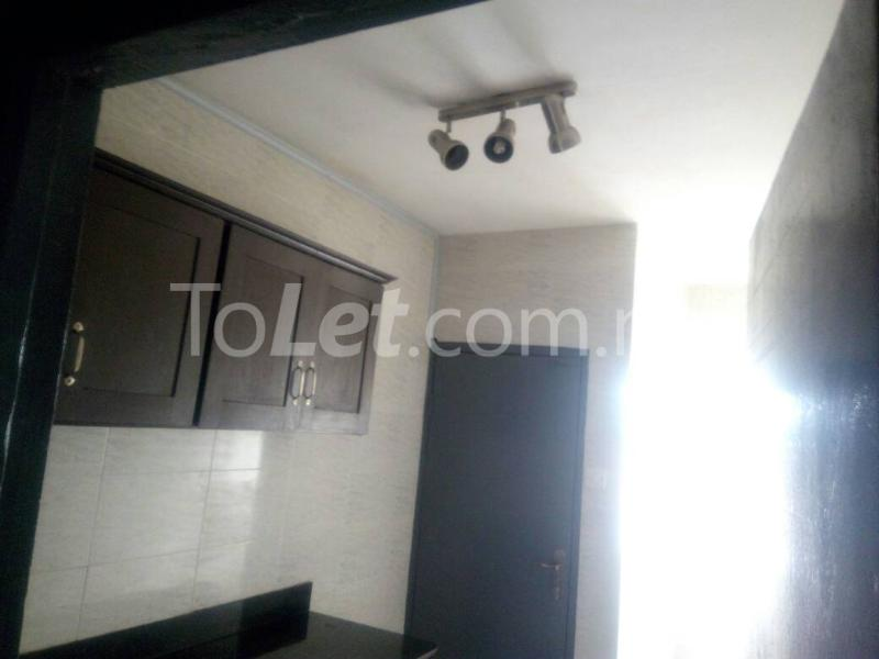 3 bedroom Flat / Apartment for rent - Palmgroove Shomolu Lagos - 4