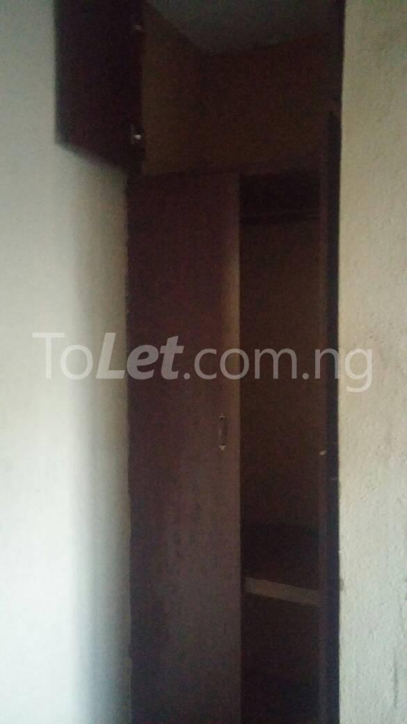 3 bedroom Flat / Apartment for rent  off ishaga road close to lawanson Lawanson Surulere Lagos - 6