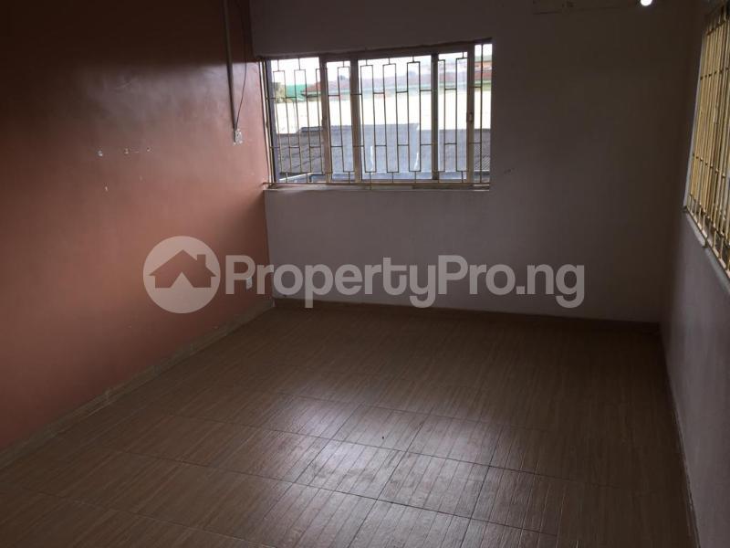 3 bedroom Flat / Apartment for rent Fola Agoro Yaba Lagos - 16