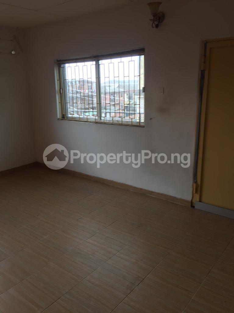 3 bedroom Flat / Apartment for rent Fola Agoro Yaba Lagos - 13