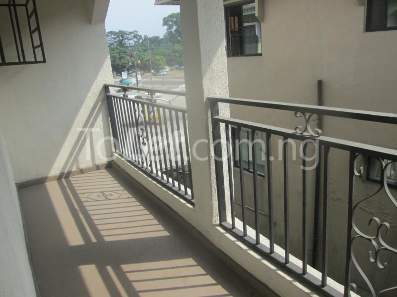 3 bedroom Flat / Apartment for rent Majek, Majek Sangotedo Lagos - 4