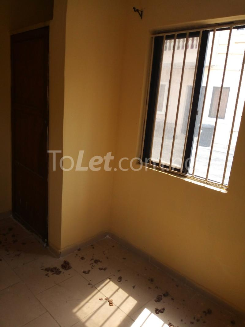 3 bedroom Flat / Apartment for rent omole Omole phase 2 Ogba Lagos - 5