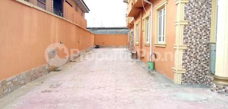 3 bedroom Flat / Apartment for rent Shomolu Shomolu Lagos - 4