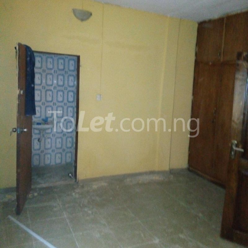 3 bedroom Flat / Apartment for rent close to majok Bariga Shomolu Lagos - 7
