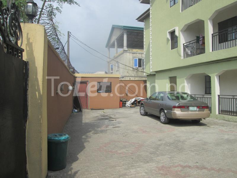 3 bedroom Flat / Apartment for rent Majek, Majek Sangotedo Lagos - 1