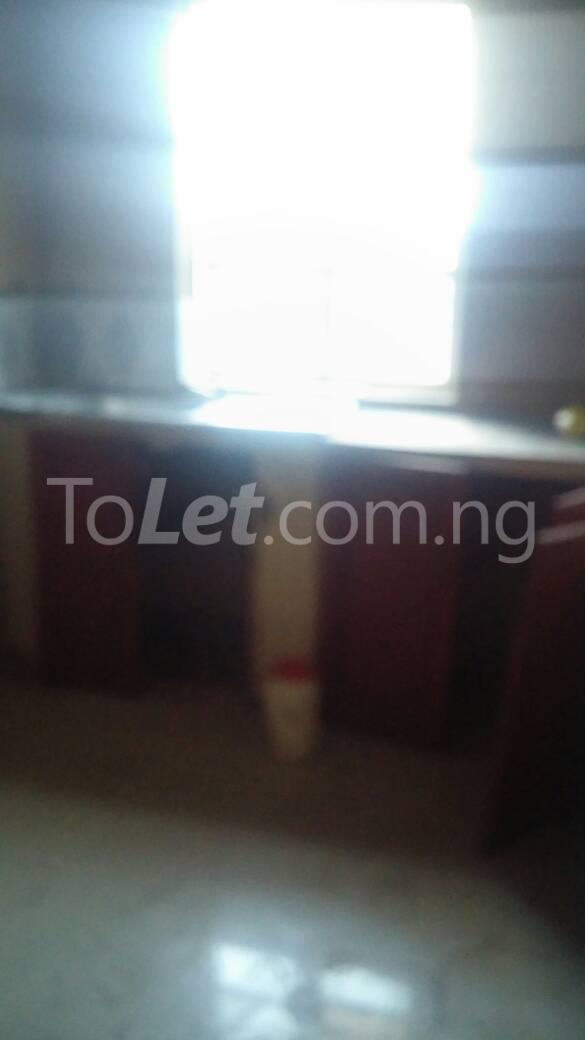 3 bedroom Flat / Apartment for rent  off ishaga road close to lawanson Lawanson Surulere Lagos - 4