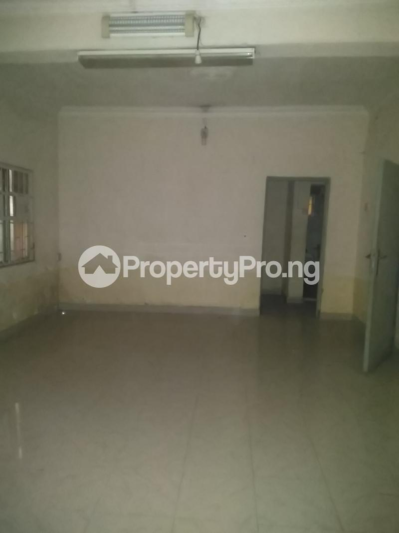 3 bedroom Flat / Apartment for rent Modupe  Fola Agoro Yaba Lagos - 5