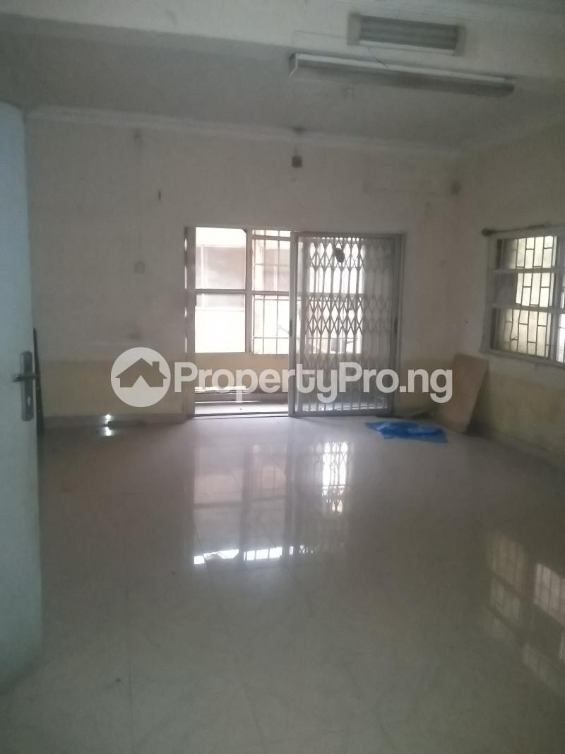 3 bedroom Flat / Apartment for rent Modupe  Fola Agoro Yaba Lagos - 4