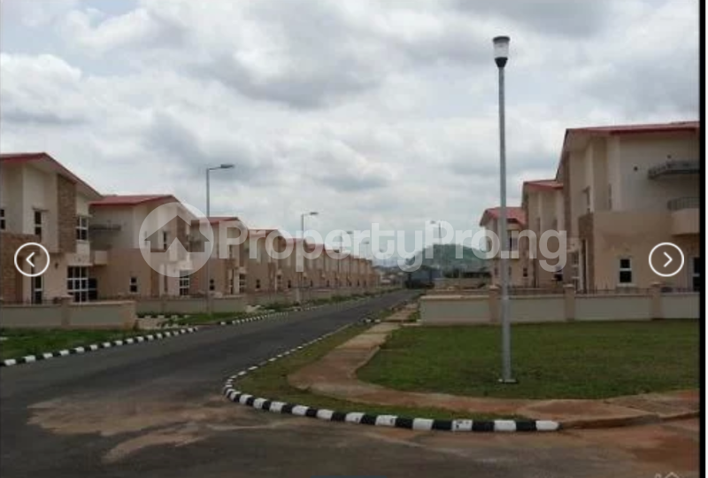 3 bedroom Boys Quarters Flat / Apartment for rent Dutse Apo Abuja - 6
