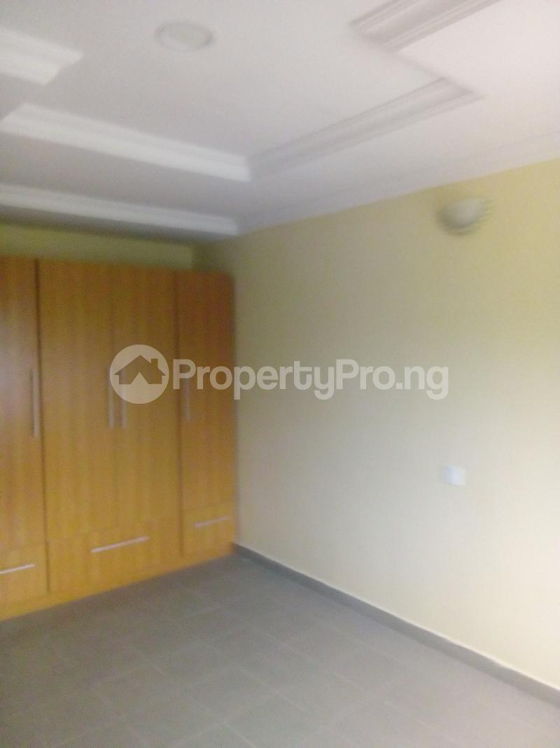 3 bedroom Flat / Apartment for rent Ladipo labinjo off  Bode Thomas Surulere Lagos - 3
