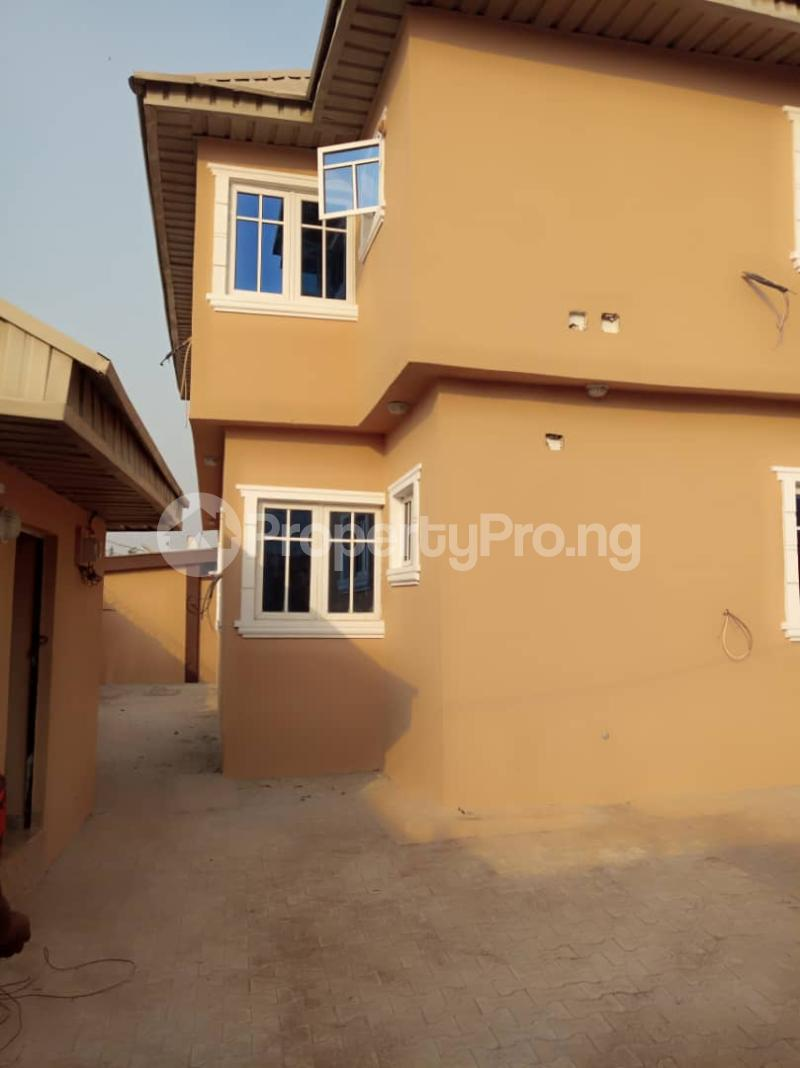 3 bedroom Flat / Apartment for rent ologuneru area off  Eleyele Ibadan Oyo - 6