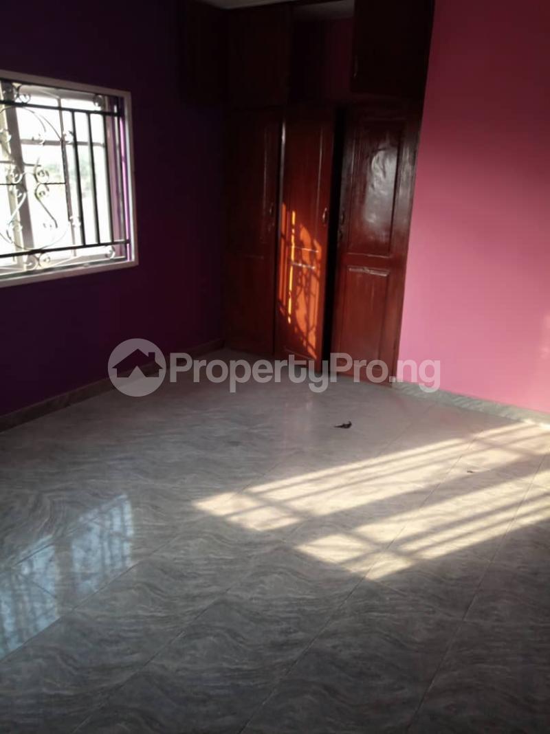 3 bedroom Flat / Apartment for rent ologuneru area off  Eleyele Ibadan Oyo - 2