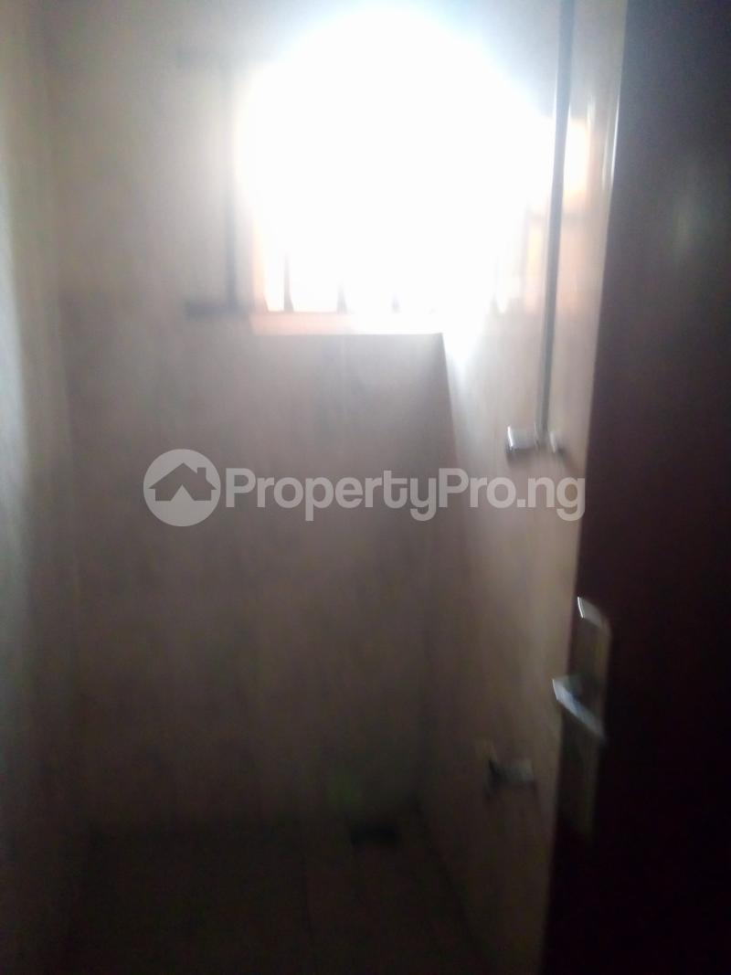3 bedroom Flat / Apartment for rent Lawal/white house bus stop governor road ikotun Governors road Ikotun/Igando Lagos - 7