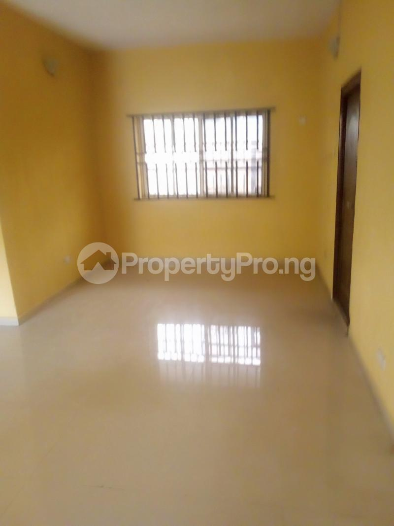 3 bedroom Flat / Apartment for rent Lawal/white house bus stop governor road ikotun Governors road Ikotun/Igando Lagos - 3
