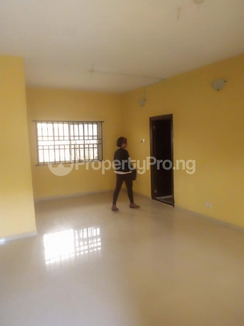 3 bedroom Flat / Apartment for rent Lawal/white house bus stop governor road ikotun Governors road Ikotun/Igando Lagos - 5