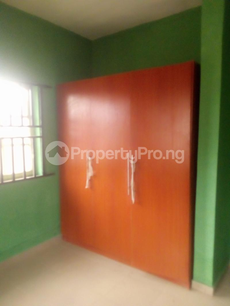 3 bedroom Flat / Apartment for rent Lawal/white house bus stop governor road ikotun Governors road Ikotun/Igando Lagos - 4