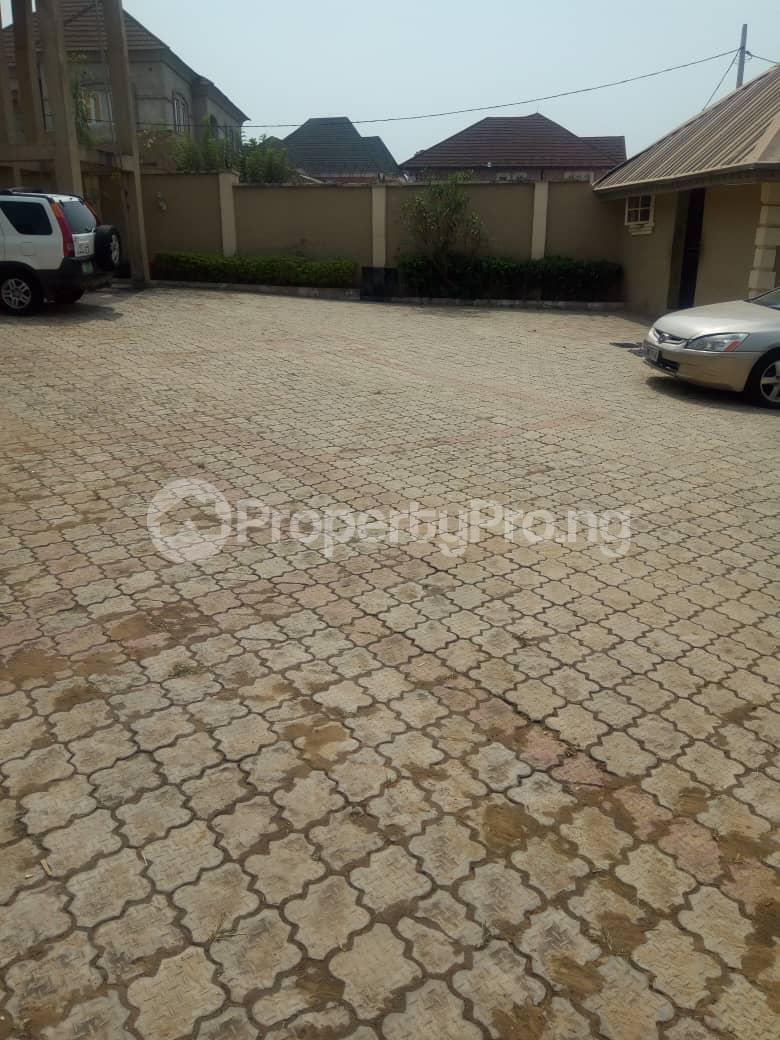 3 bedroom Flat / Apartment for rent richbam petrol station area, Akala Express Ibadan Oyo - 5