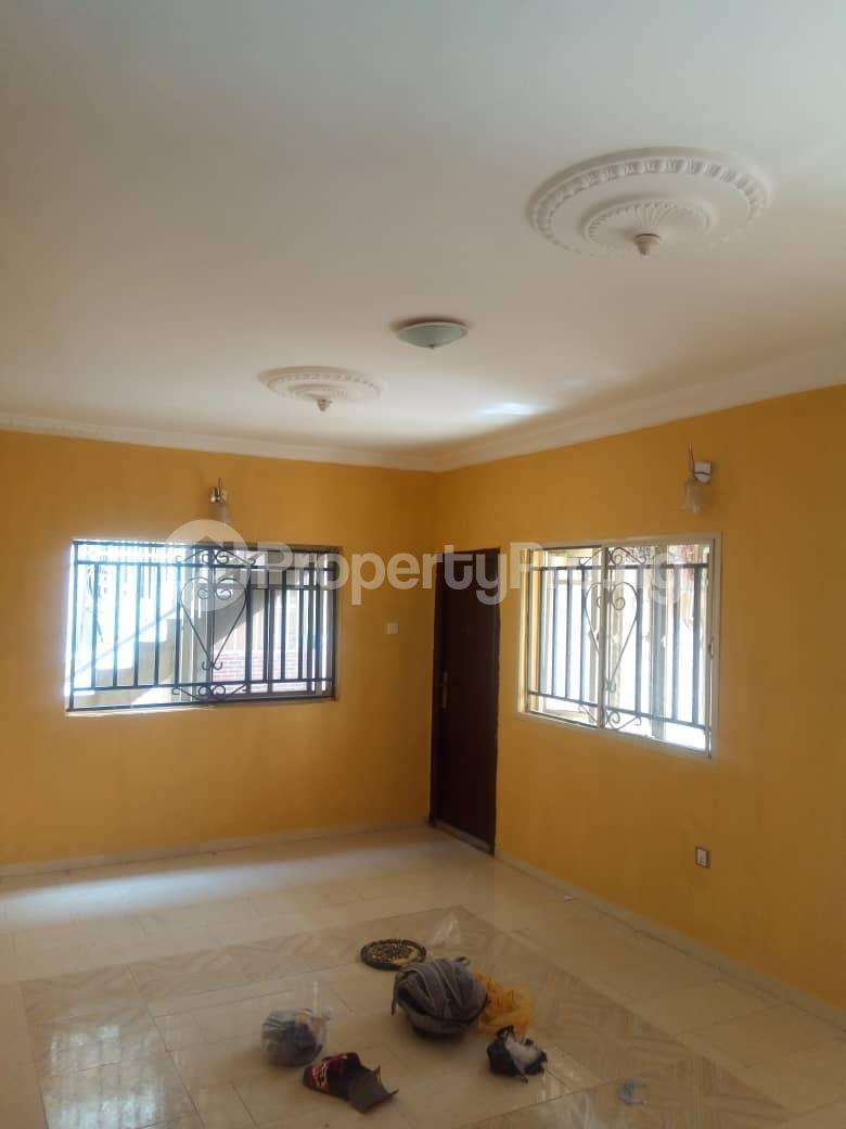 3 bedroom Flat / Apartment for rent richbam petrol station area, Akala Express Ibadan Oyo - 1