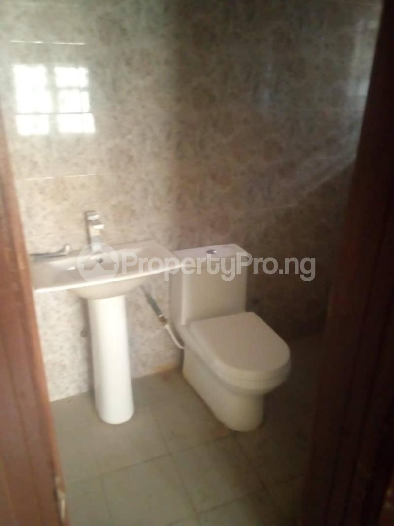 3 bedroom Flat / Apartment for rent behind Icast School,off  Akala Express Ibadan Oyo - 11