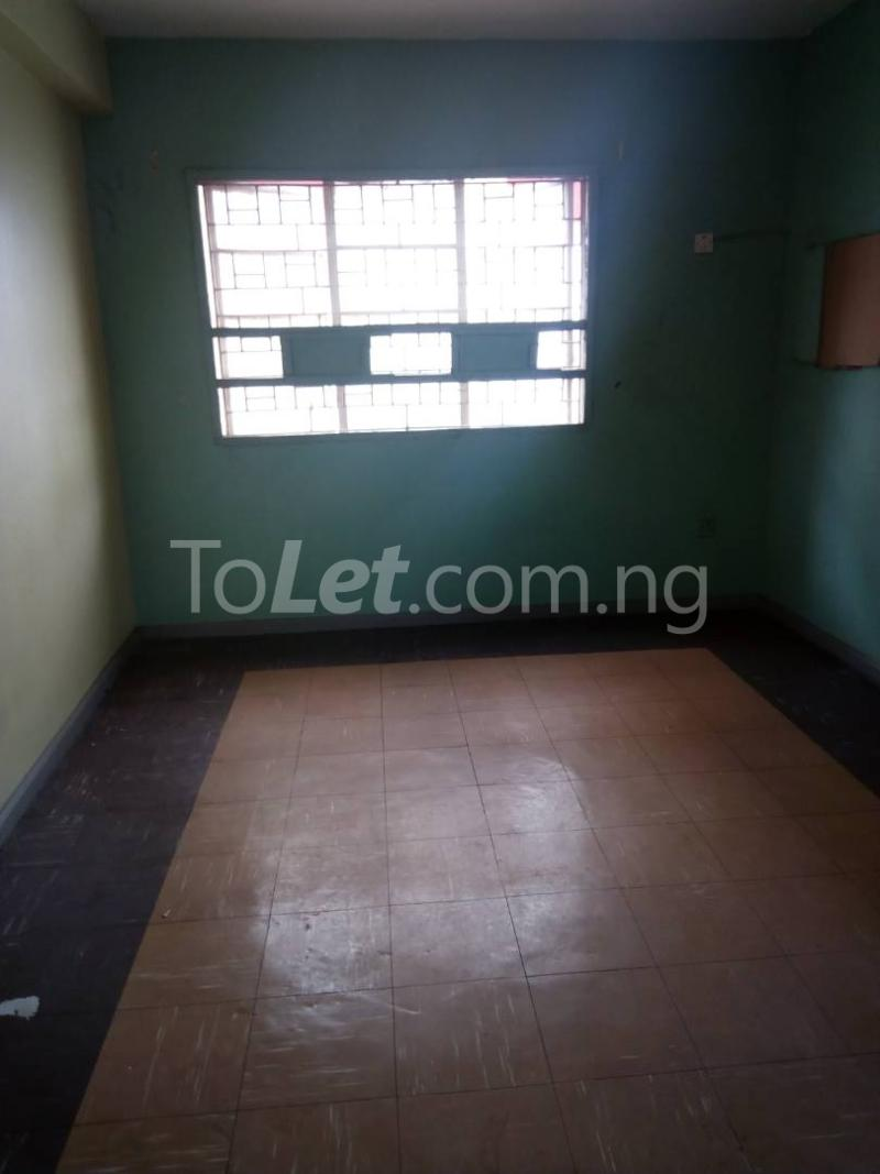 3 bedroom Flat / Apartment for rent off nathan street Yaba Lagos - 5