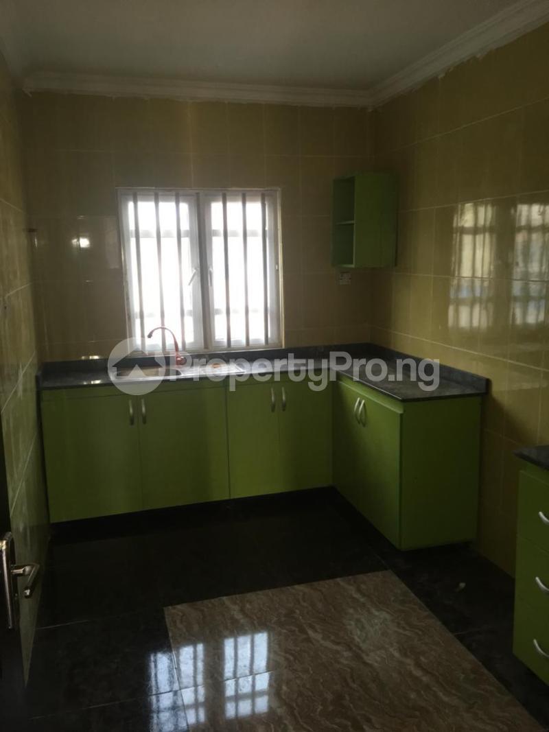 3 bedroom Flat / Apartment for rent Folawiyo bankole street off Masha Surulere Lagos - 5