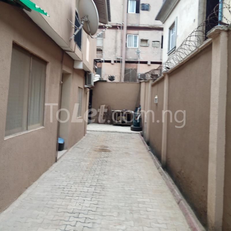 3 bedroom Flat / Apartment for rent close to majok Bariga Shomolu Lagos - 5