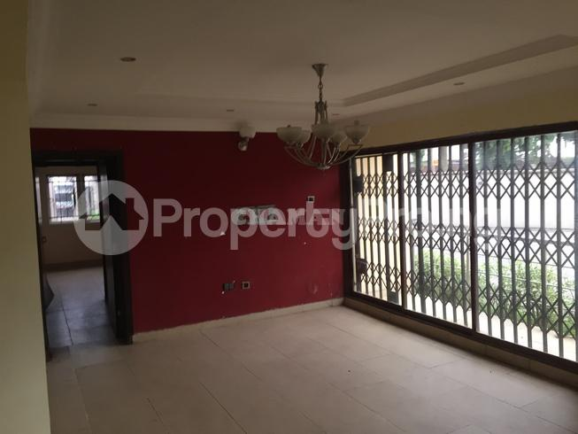 3 bedroom Flat / Apartment for rent estate Adeniyi Jones Ikeja Lagos - 24