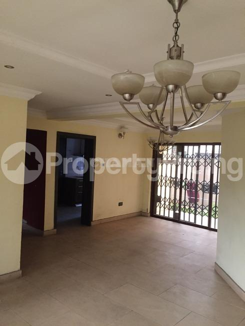 3 bedroom Flat / Apartment for rent estate Adeniyi Jones Ikeja Lagos - 20
