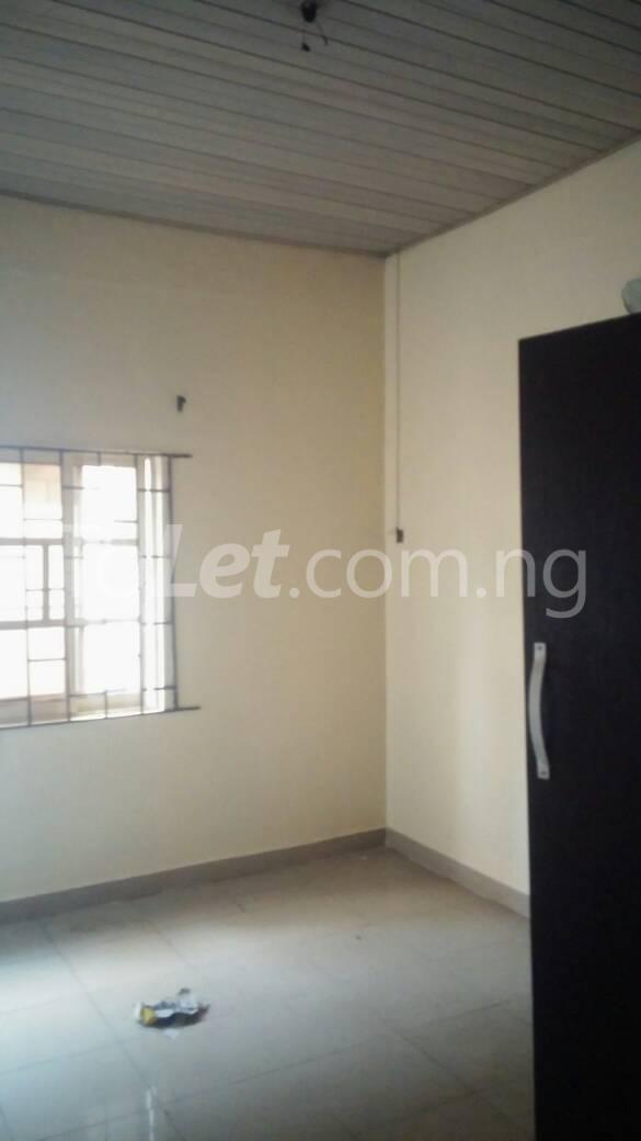3 bedroom Flat / Apartment for rent off Bodethomas surulere Bode Thomas Surulere Lagos - 3