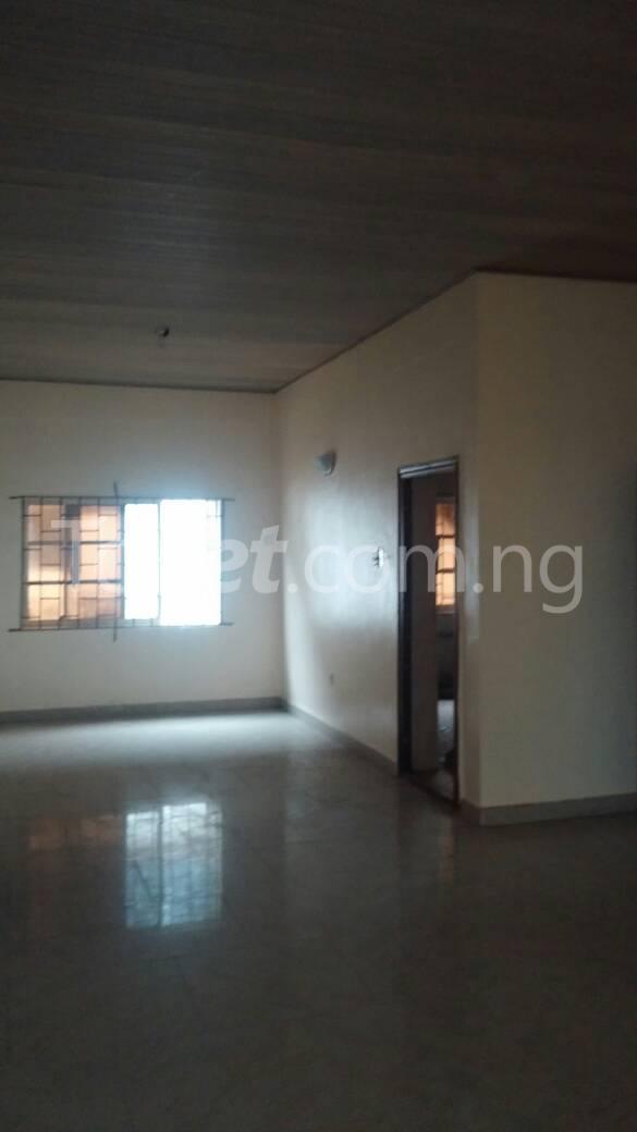 3 bedroom Flat / Apartment for rent off Bodethomas surulere Bode Thomas Surulere Lagos - 2