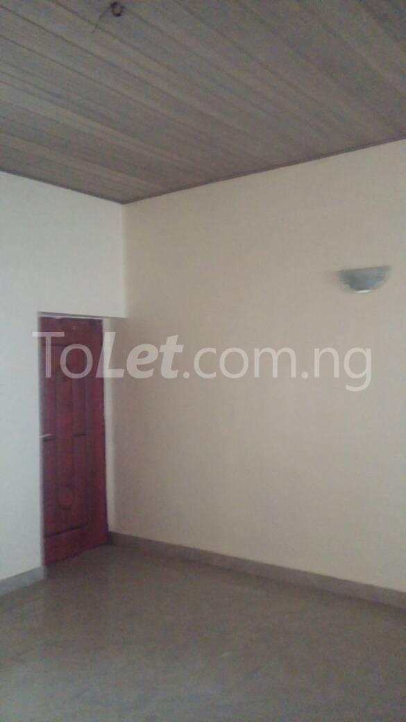 3 bedroom Flat / Apartment for rent off Bodethomas surulere Bode Thomas Surulere Lagos - 4
