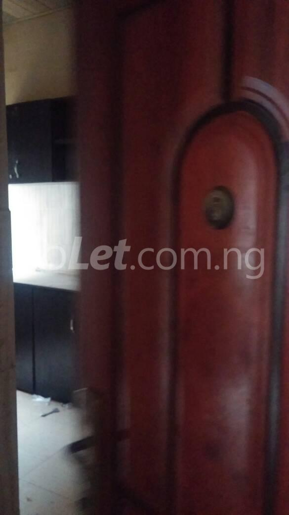 3 bedroom Flat / Apartment for rent off Bodethomas surulere Bode Thomas Surulere Lagos - 6