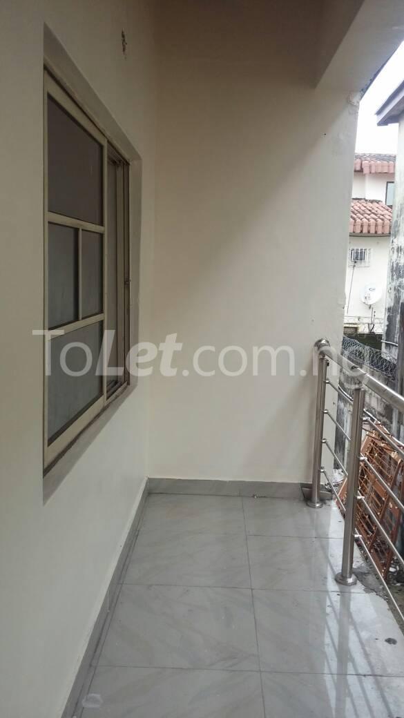 3 bedroom Flat / Apartment for rent off Bodethomas surulere Bode Thomas Surulere Lagos - 1