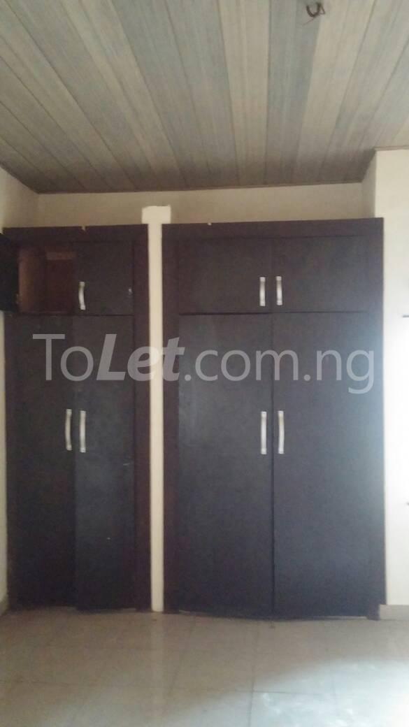 3 bedroom Flat / Apartment for rent off Bodethomas surulere Bode Thomas Surulere Lagos - 5