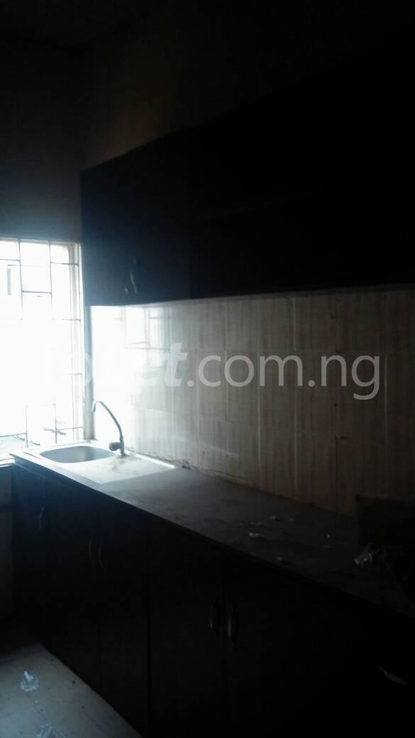 3 bedroom Flat / Apartment for rent off Bodethomas surulere Bode Thomas Surulere Lagos - 8