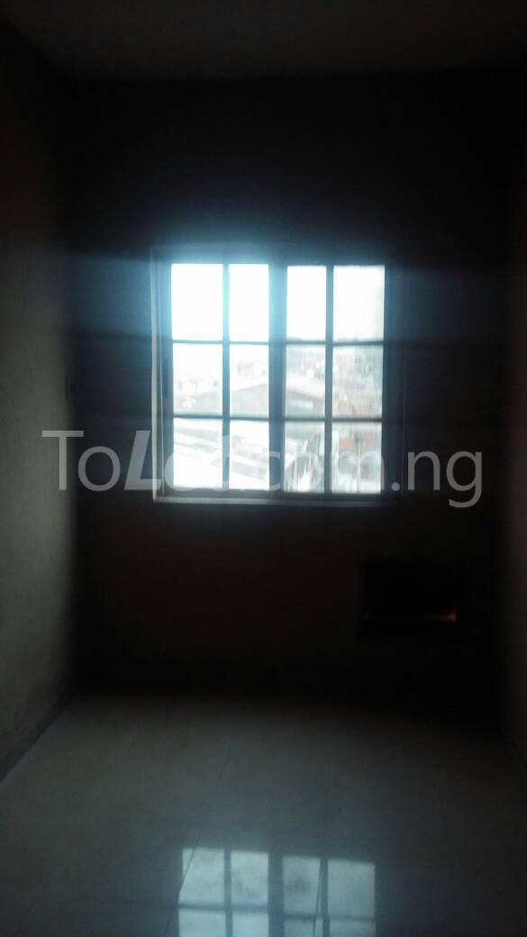 3 bedroom Flat / Apartment for rent  off ishaga road close to lawanson Lawanson Surulere Lagos - 5