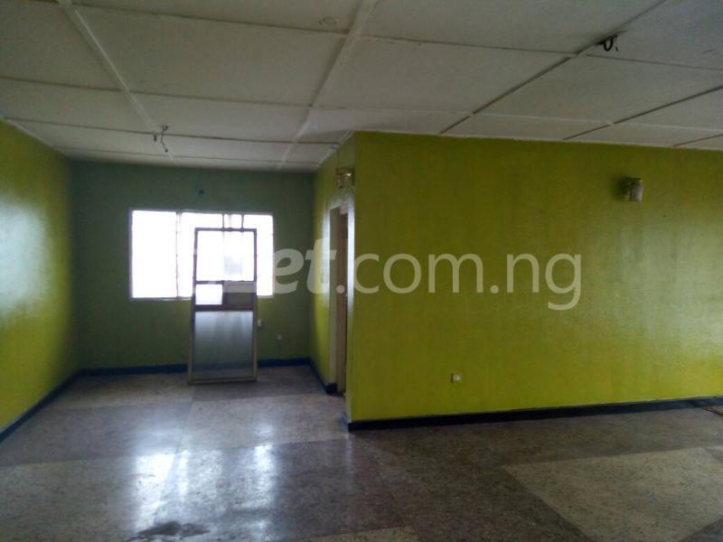 3 bedroom Flat / Apartment for rent - Ilupeju Lagos - 4