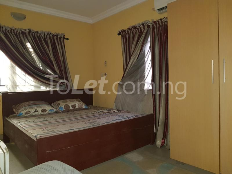 3 bedroom Flat / Apartment for rent osholake Ebute Metta Yaba Lagos - 2