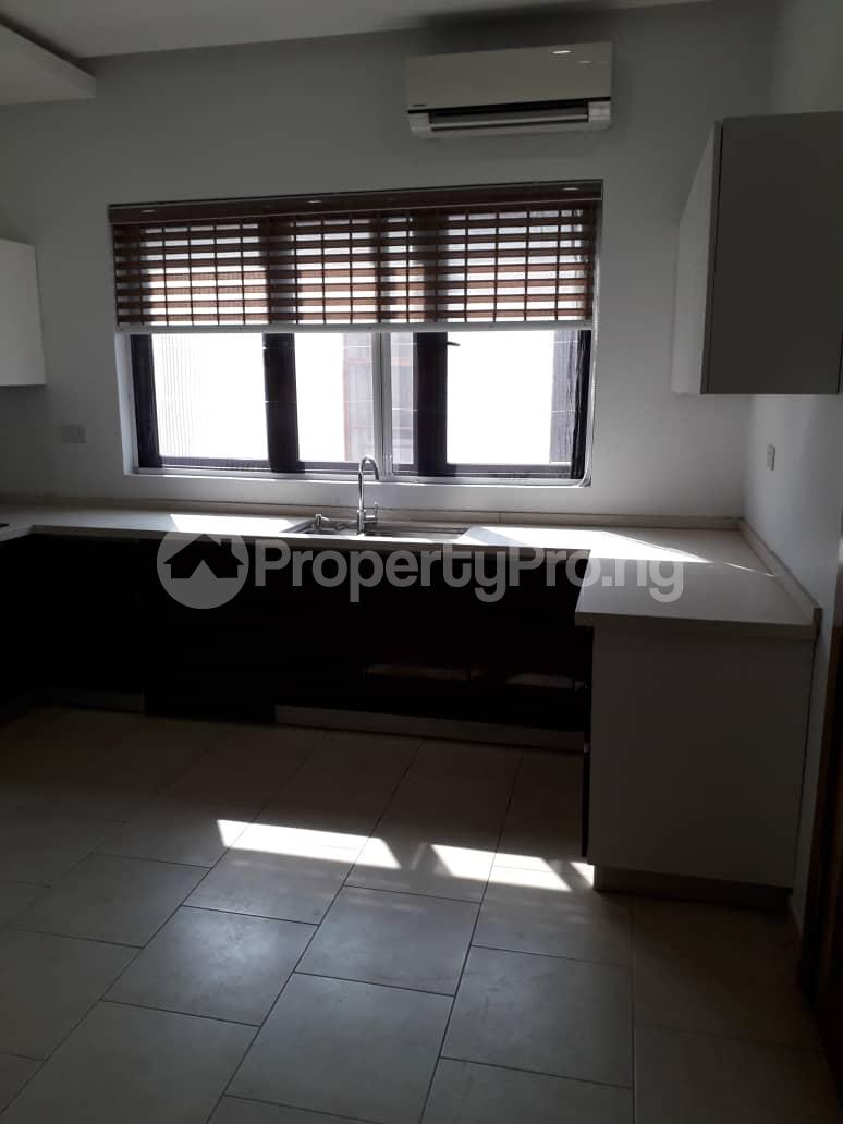 3 bedroom Flat / Apartment for rent Onikoyi, Ikoyi. Ikoyi Lagos - 19
