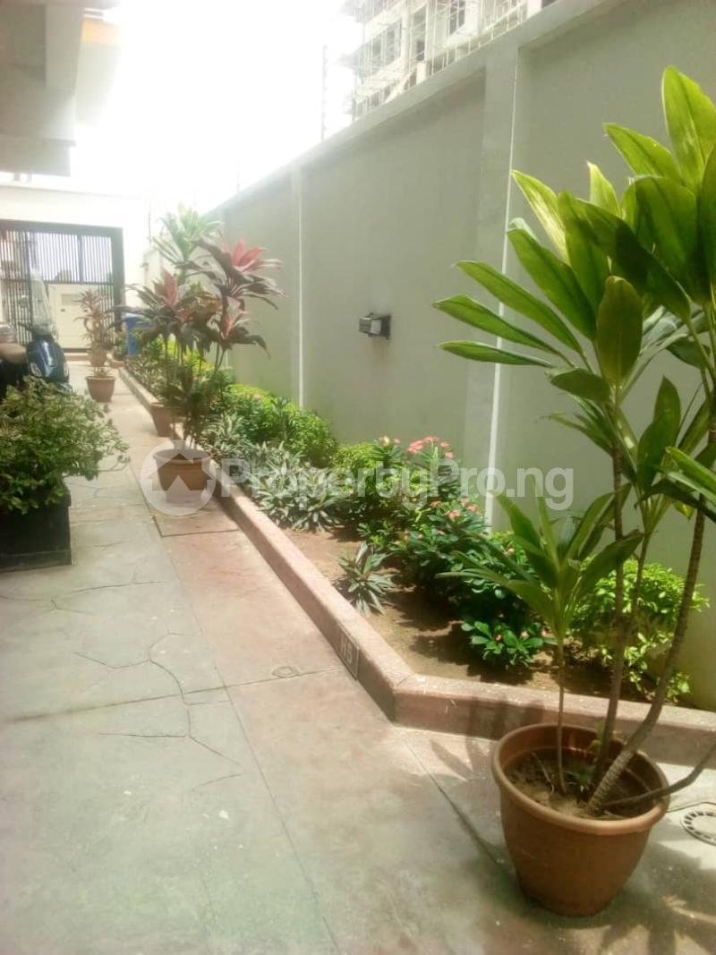 3 bedroom Flat / Apartment for rent Onikoyi, Ikoyi. Ikoyi Lagos - 2