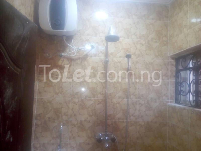 3 bedroom Flat / Apartment for rent adeoye adeoshun close Akobo Ibadan Oyo - 2