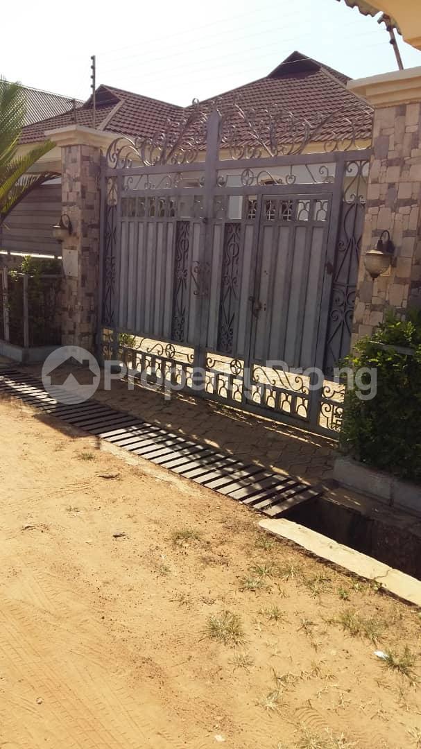 3 bedroom Detached Bungalow House for sale Highcost,Kaduna Kaduna South Kaduna - 7