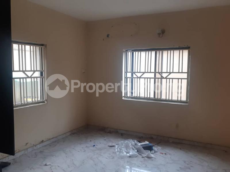 3 bedroom Flat / Apartment for rent   Omole phase 2 Ojodu Lagos - 3