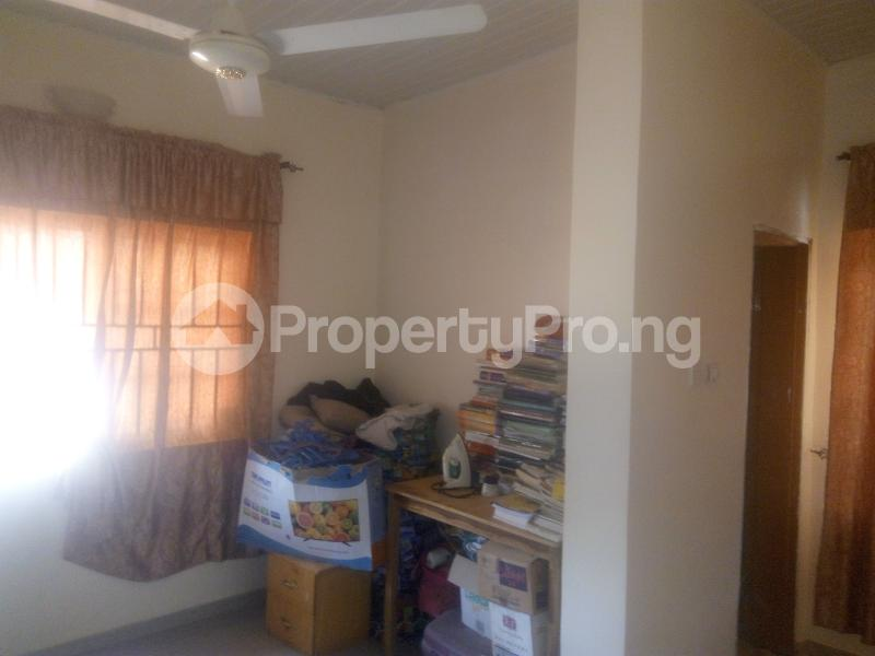 3 bedroom Flat / Apartment for sale behind general hospital,sabo Chikun Kaduna - 7