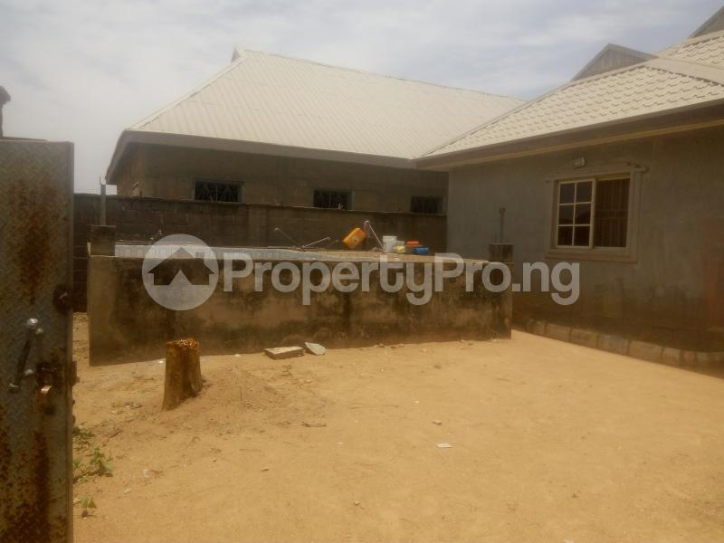 3 bedroom Flat / Apartment for sale behind general hospital,sabo Chikun Kaduna - 6