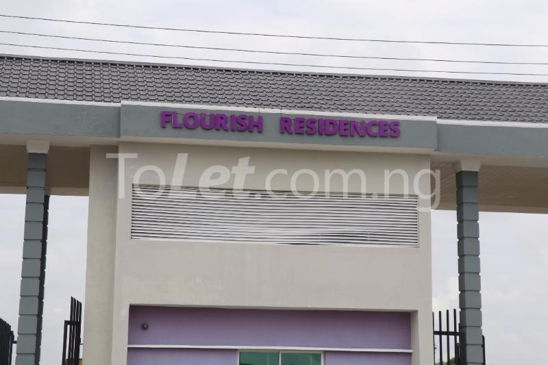 3 bedroom Blocks of Flats House for sale Monastery Road, beside shoprite Off Lekki-Epe Expressway Ajah Lagos - 3