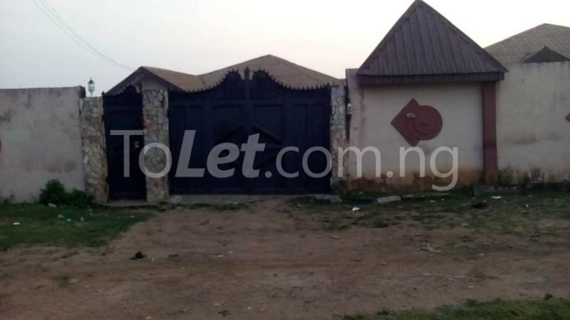 9 bedroom House for sale Adjascent Nurdork gas filling stations Bcj Apata Ibadan Apata Ibadan Oyo - 5