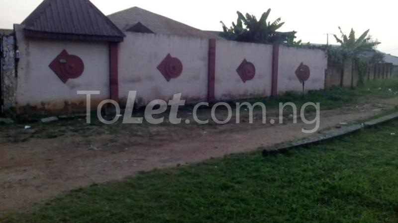 9 bedroom House for sale Adjascent Nurdork gas filling stations Bcj Apata Ibadan Apata Ibadan Oyo - 4